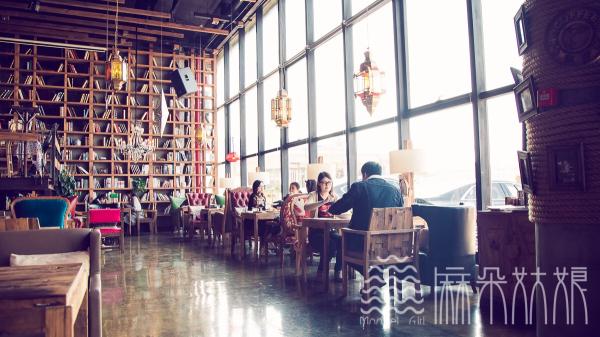 麻朵姑娘特色奶茶饮品店
